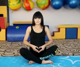 Курсы для будущих родителей.Мама-йога.
